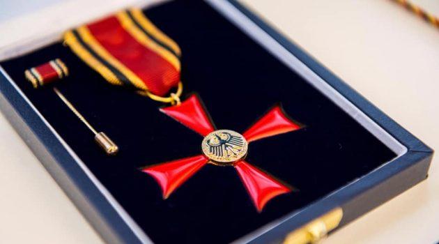 Unser Bernd Roßmann wurde mit dem Verdienstkreuz geehrt