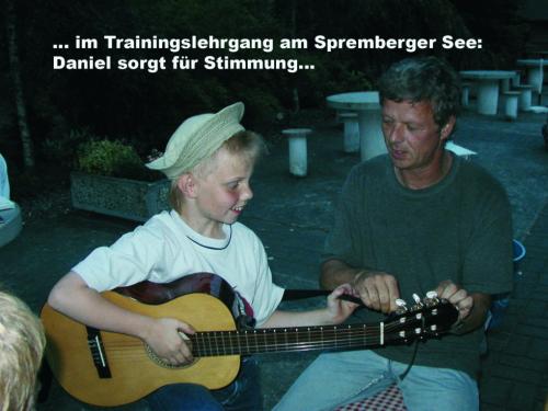 Bagenz, Daniel mit Gitarre (1)